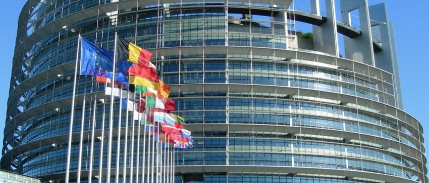 Fotografía de la fachada del Parlamento Europeo