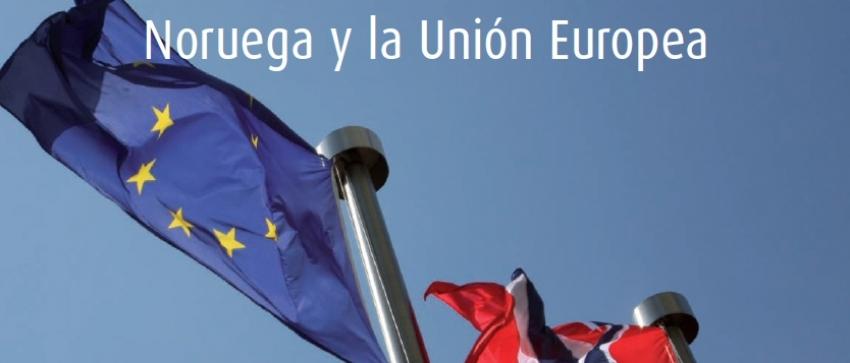 Fotografía de dos banderas de la Unión Europea y Noruega