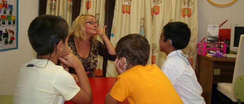 Fotografía: Atención al entorno de las personas sordas para su integración socio-familiar